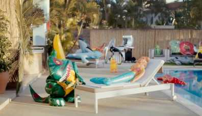 sc-j2o-pool-party-4
