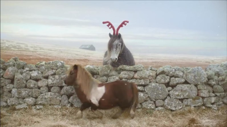 sc-three-dance-pony-dance-the-pony-at-christmas-2